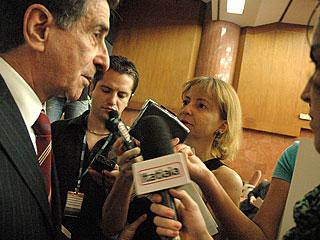 COLETIVA - O desembargador Sérgio Resende anunciou para jornalistas o programa de investimentos do TJMG para 2009