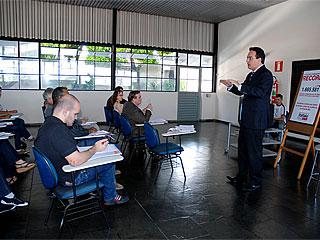 IMPRENSA  - O desembargador Alexandre Victor de Carvalho falou para jornalistas sobre o Poder Judiciário